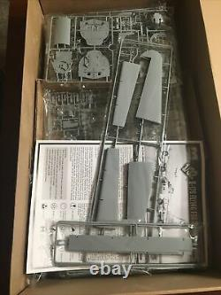 B-17G Flying Fortress HK Models 1/32 Scale Unassembled Aircraft kit#01E04