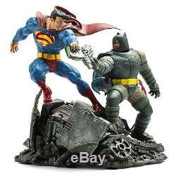 Batman vs Superman hero Diorama Figure Model Resin Kit Unpainted Unassembled