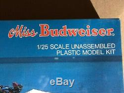 Miss Budweiser Testors Unassembled Plastic Model Kit 1/25 scale