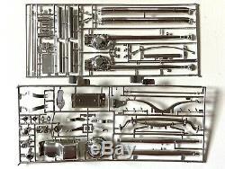 Monogram'32 Ford Roadster Big Deuce 1/8 Scale Complete & Unassembled