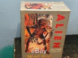 NEW ALIEN Movie Classics 1/5 scale model kit HALCYON PVC Complete Unassembled