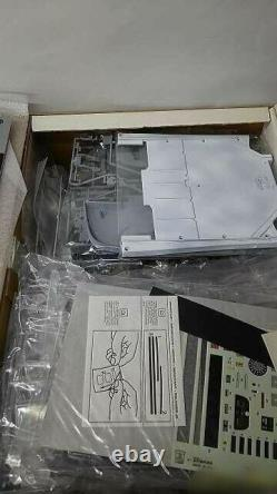 Pocher 1/8 Scale Plastic Model Car Ferrari Testarossa Die-cast Unassembled Japan