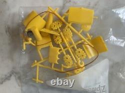 THE BEATLES Vintage YELLOW SUBMARINE MODEL KIT 1968 Unassembled In Original Box