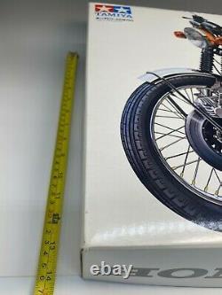 Tamiya 1/6 Kit Motorcycle Series No. 1 Honda Dream CB750 FOUR Unassembled